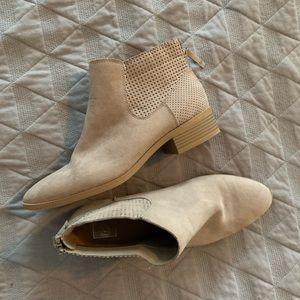 Women's shoes DV brand